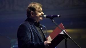 Osm desítek gratulantů obsadilo Lucernu. Václav Havel by slavil 80 let