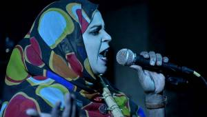V Česku vystoupila nejlepší zpěvačka severní Afriky, Noura Mint Seymali předvedla pouštní blues