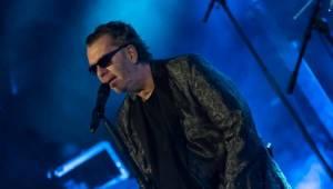 Richard Müller zazpíval pro plný sál Měšťanské besedy v Plzni šansony i svižné hitovky