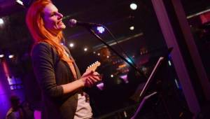 Iva Pazderková přiznala platonickou lásku, ta ji pokřtila druhé album