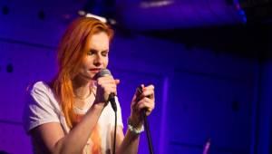 Iva Pazderková pokřtila druhé album v Jazz Docku, zpívá na něm i Tomáš Klus