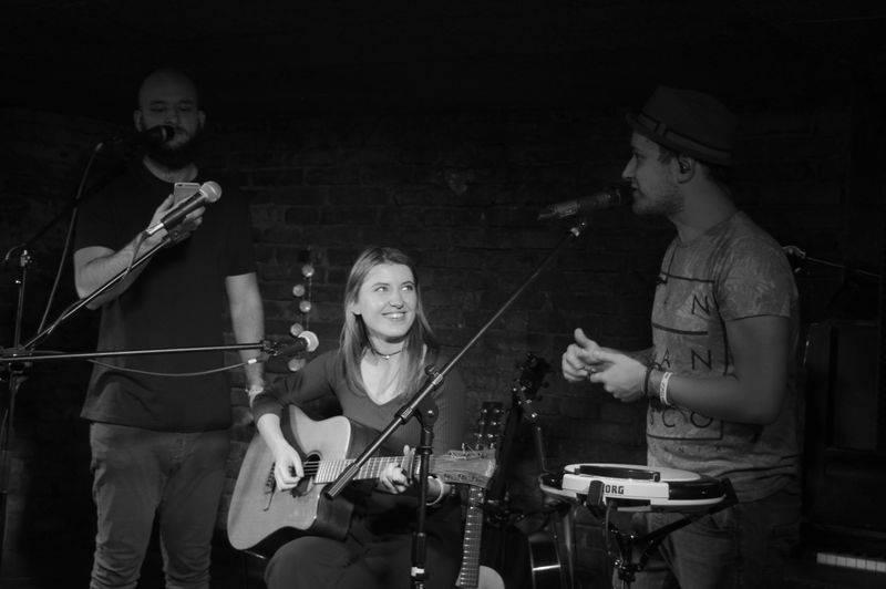 Voxel a Pokáč rozsvítili dva večery po sobě pražské Café V lese