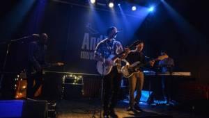 V Plzni hráli diCaprio: Příjemný indie pop z dílny Borise Carloffa zněl Andělem