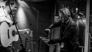 Thom Artway pokřtil desku Hedgehog, podpořit ho přišel Tomáš Klus