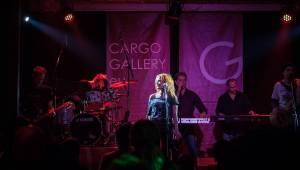 Precedens s Ivou Marešovou rozehřáli publikum na palubě Cargo Gallery