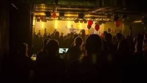 Narozeniny Rock Café slavili fanoušci spolu s Mydy Rabycad a Marimba Live Drums
