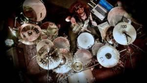 Démon za bicími Miloš Meier předvedl bubenický syndrom v Moravských Budějovicích