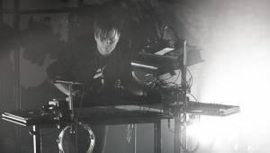 Hudební génius Trentemøller vystoupil v zasněném klubu Roxy