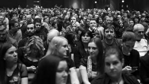 Apocalyptica v Praze znovu hrála Metallicu na cella: Forum Karlín bylo plné
