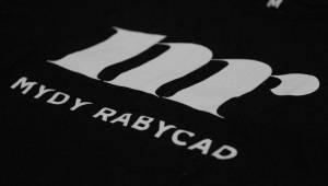 Mydy Rabycad roztančili Plzeň: Peklo ovládly kšandy a peříčka v rytmu swingu