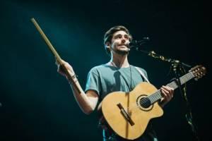 Alvaro Soler hned napoprvé vyprodal koncert v Praze, přivezl i Sofii