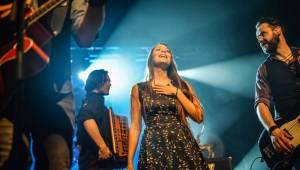 Jelen v Pekle: Plzeňané zpívali hity z alba Vlčí srdce