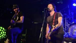 Správní chlapi Rybičky 48 a Imodium vyprodávají hudební kluby
