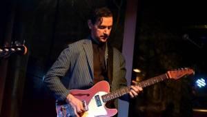 Chuck Prophet, známý z Green On Red i sólově, řádil v Jaz Docku