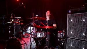 Marco Mendoza v pražském klubu Exit-us vyučoval hru na basu
