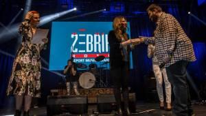 Hudební ceny Žebřík moderovali Jakub Kohák a Iva Pazderková, sošky sbírali Tomáš Klus, Ewa Farna a další