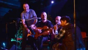 Wohnout v akustickém provedení zvedl v Pardubicích diváky ze židlí