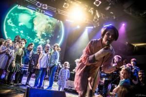 Planety spojily děti a dospělé v pražském Lucerna Music Baru