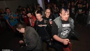 Punkový mejdan ve Stormu: E!E oslavili 30 let, dorazili i Nežfaleš a The Fialky