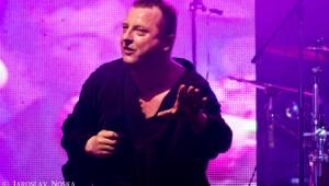 Komunál slavil 25 let a nové album. Gratulovali Traktor, Tlustá Berta či Limetal