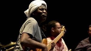 Kamerunský hudebník Richard Bona, přezdívaný