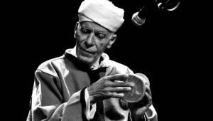 Fascinující transovní hudba z Maroka v podání Jajouka zněla Akropolí