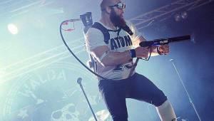 Rocková koleda v Králíkách: Za Walda Gang zpíval Miro Šmajda, Harlej opěvoval Přirození a Krucipüsk líbal rety tvý