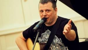 Honza Křížek vzpomínal na zámku u Kinských na Radima Hladíka
