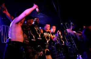 The Real McKenzies slavili v Rock Café 25 let v ďábelském tempu