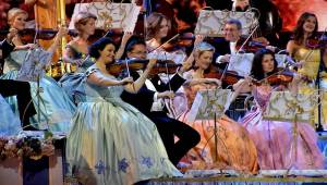 Král valčíků opět v Praze: André Rieu a jeho orchestr zahráli v O2 areně