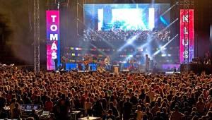 Zimní stadion v Českých Budějovicích ovládla hudební extraliga: Tomáš Klus, Lenny, Tata Bojs nebo Monkey Business