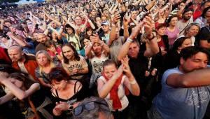 Divokej Bill a Poletíme?: Hlinskem proletěla mexická vlna Tsunami