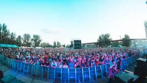 Třetí den Colours of Ostrava: Michal Hrůza s filharmonií, skvělí Midnight Oil a překvapení St. Paul & The Broken Bones