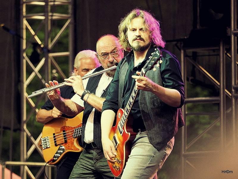 Jethro Tull ve Slavkově u Brna: Ian Anderson se svojí flétnou rozohnil tisíce fanoušků