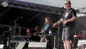 Hrady CZ pokračovaly na Kunětické hoře: Fanoušky bavili Tomáš Klus, Richard Müller i Arakain s Lucií Bílou