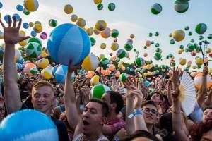 Druhý den Szigetu byl ve znamení indie a rapu, hvězdami programu byli Wiz Khalifa, Biffy Clyro či The Vaccines