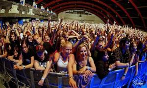 V Praze řádili pankáči The Offspring, v Malé sportovní hale to vřelo
