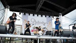 Dožínky na Letné obohatili svými koncerty Slza, Ewa Farna, Voxel nebo Pokáč