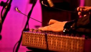 Hudba Indie a Iránu v podání Bansal Bandu zněla pražským Jazz Dockem