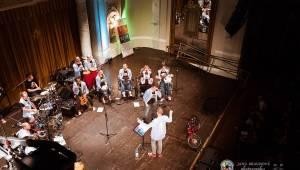 Fenomenální The Tap Tap odehráli benefiční koncert pro plzeňský Hospic svatého Lazara v Plzni