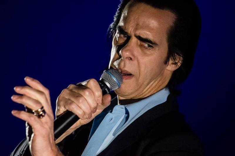 Nick Cave zasel na pražském koncertě tíživou melancholii