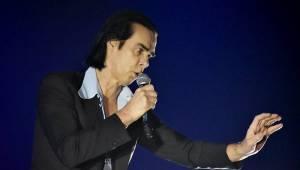 Uhrančivý Nick Cave v Praze druhým objektivem