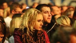 Chinaski si v Brně užívali vřelého publika, chladili ho sněžením