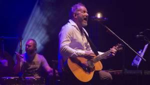 David Koller potěšil před Vánoci pražské fanoušky akustickým koncertem