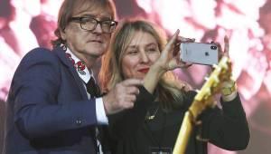 Miro Žbirka zařídil v Bratislavě předčasné Vánoce. S sebou měl Lenku Filipovou, Marthu nebo Jaroslava Svěceného