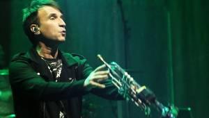 Chinaski na posledním koncertu ve staré sestavě rozdali brněnské onkologii milion. Zazpívala také Ewa Farna