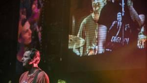 Vypsaná Fixa dobyla velkou Lucernu, fanoušky potěšila i čtením