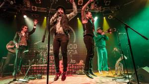 Fast Food Orchestra a Circus Brothers roztančili před Vánoci Lucerna Music Bar