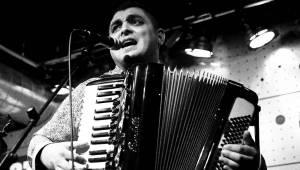 Terne Čhave rozjeli cikánský mejdan. V Jazz Docku předvedli svůj rom'n'roll
