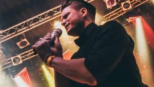 Ondřej Brzobohatý křtil své druhé album za hvězdné účasti. Podpořili ho Vojta Dyk a Marta Jandová